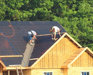 What Sets a High-Quality Roofing Contractor Apart