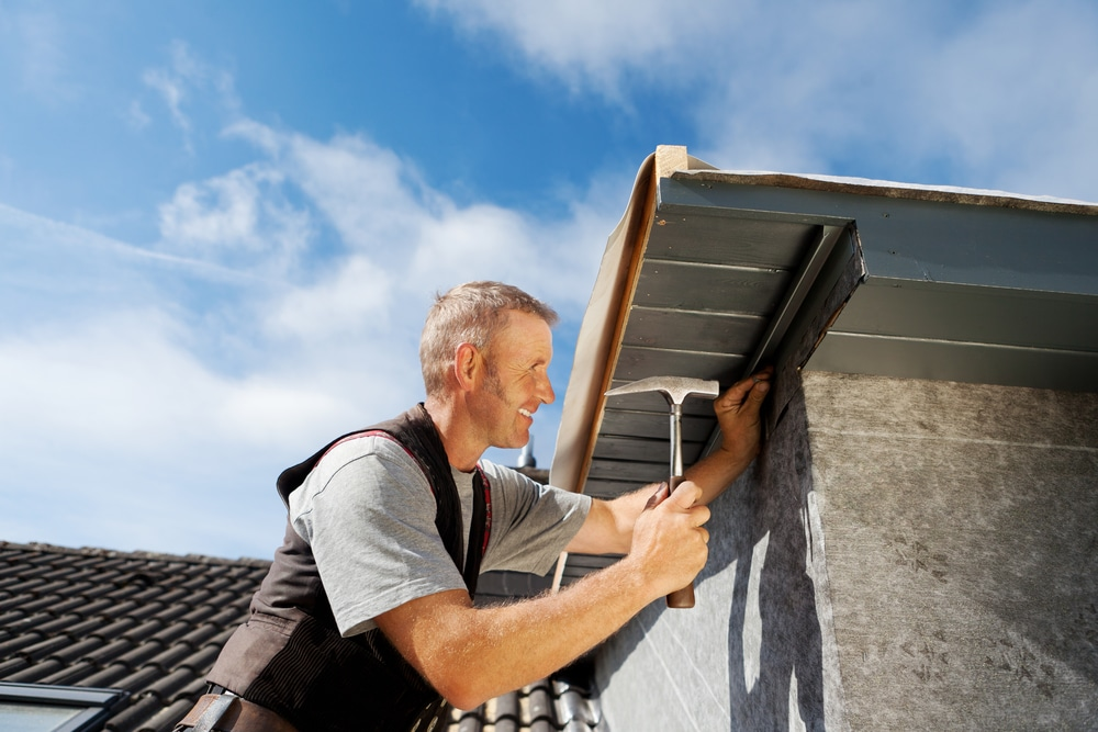 Avoid Bad Roofing Contractors with These Tips