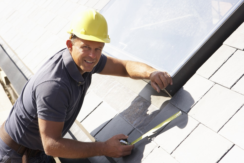 risks not hiring roofing contractor