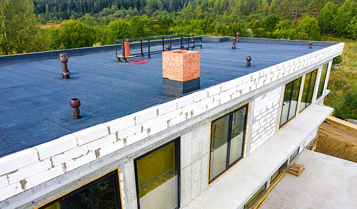 3-Advantages-of-Flat-Rooftops-for-Your-Business-2
