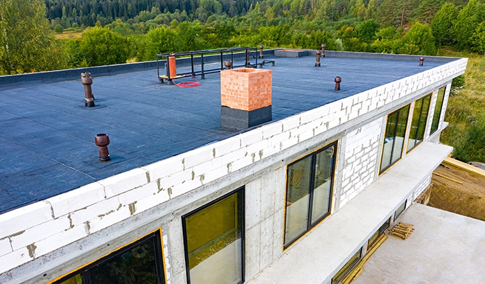 3 Advantages of Flat Rooftops for Your Business