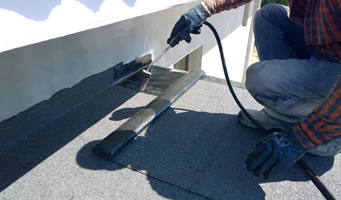 A Step-By-Step Guide on How to Repair Flat Roofs