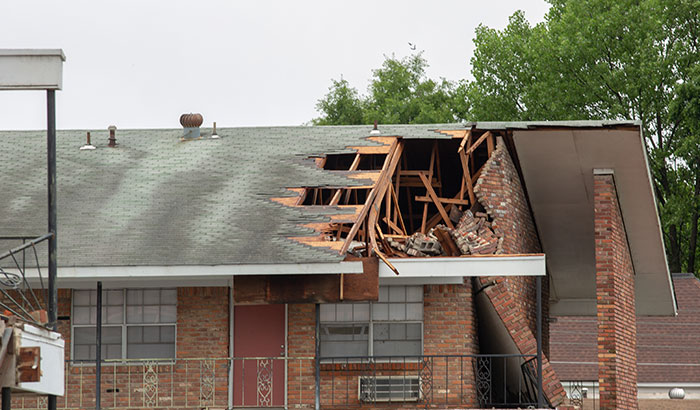 5-Major-Signs-of-Roof-Wind-Damage-to-Watch-out-For